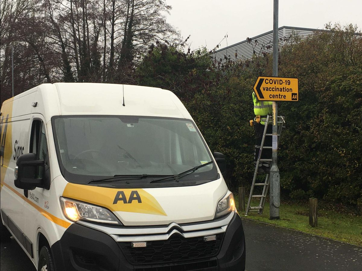 AA offers free vaccination centre road signs