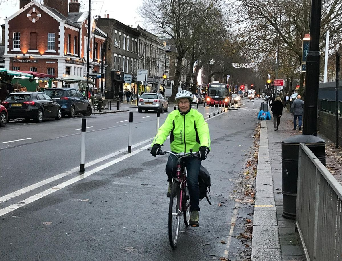 Cycleway 9 on Chiswick High Road