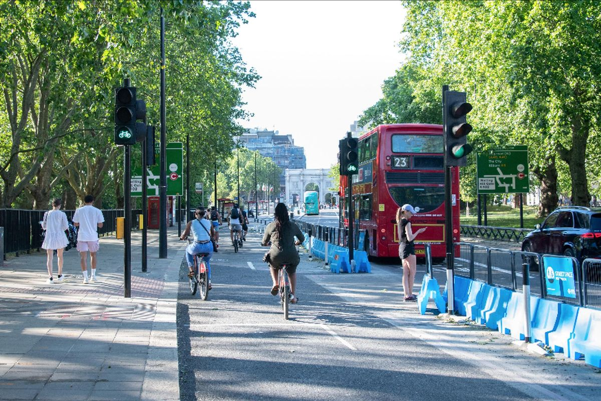 Park Lane in London today: TfL`s Streetspace programme is giving more room to pedestrians and cyclists