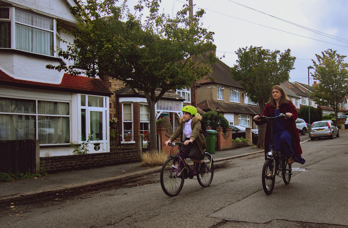 People who are able to walk, cycle or scoot to school are being encouraged by TfL to do so