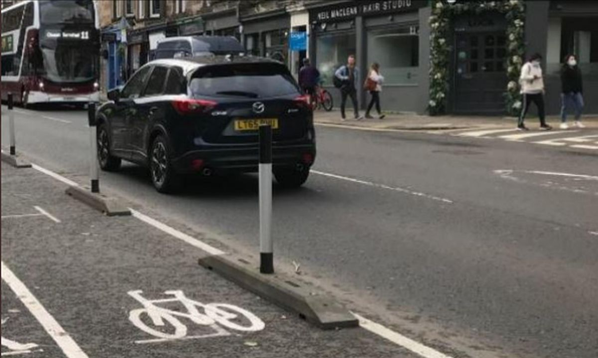 Segregated cycle lanes in central Edinburgh