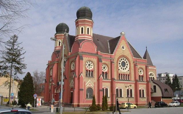 1200px-Zalaegerszeg_Synagogue.jpg