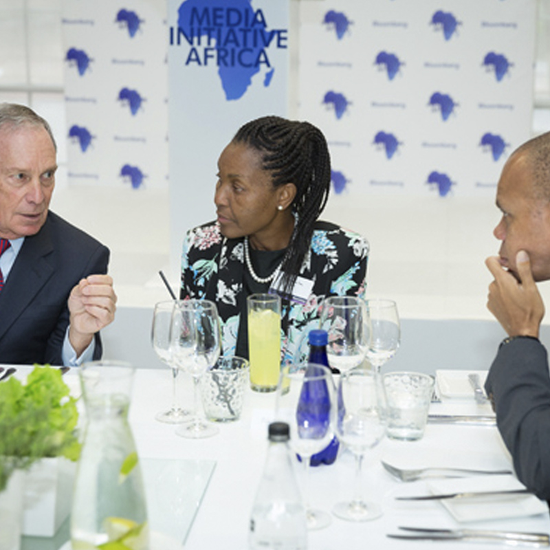 Mike Bloomberg discusses the initiative with Pili Twala-Tau, First Lady of Johannesburg and US Ambassador to South Africa Patrick H. Gaspard.