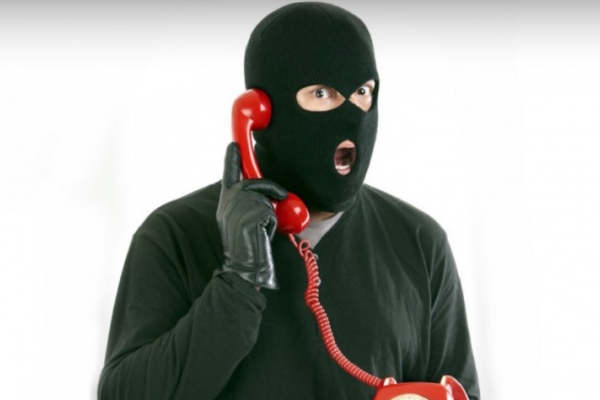 Wat is helpdeskfraude en hoe herken je tech support scammers?