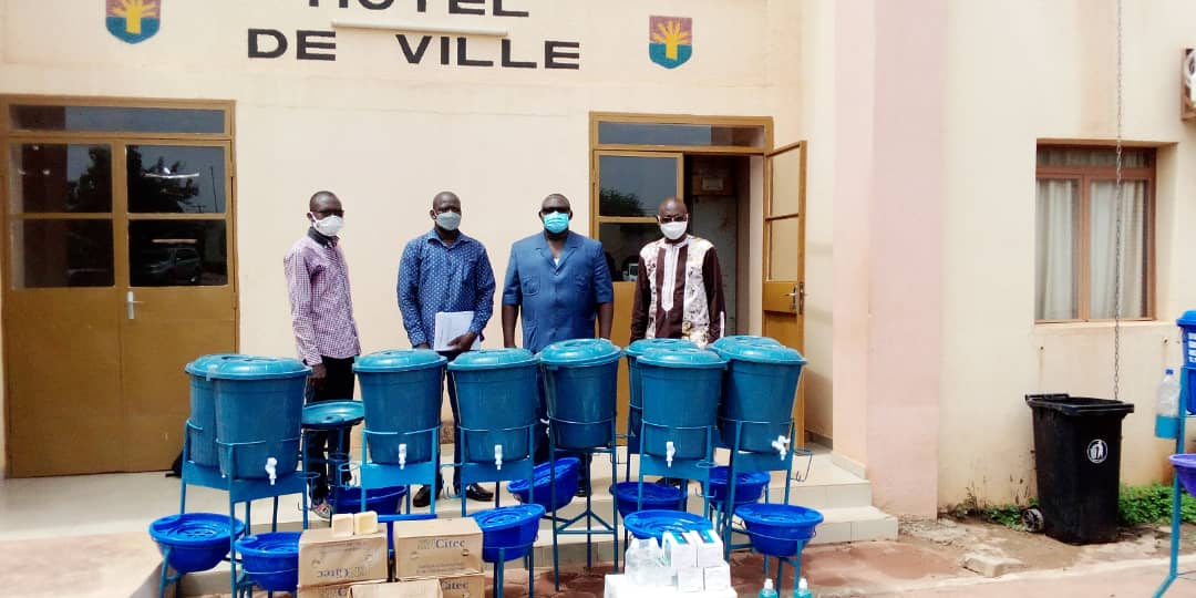 Remise d'équipement à la mairie de Koudougou