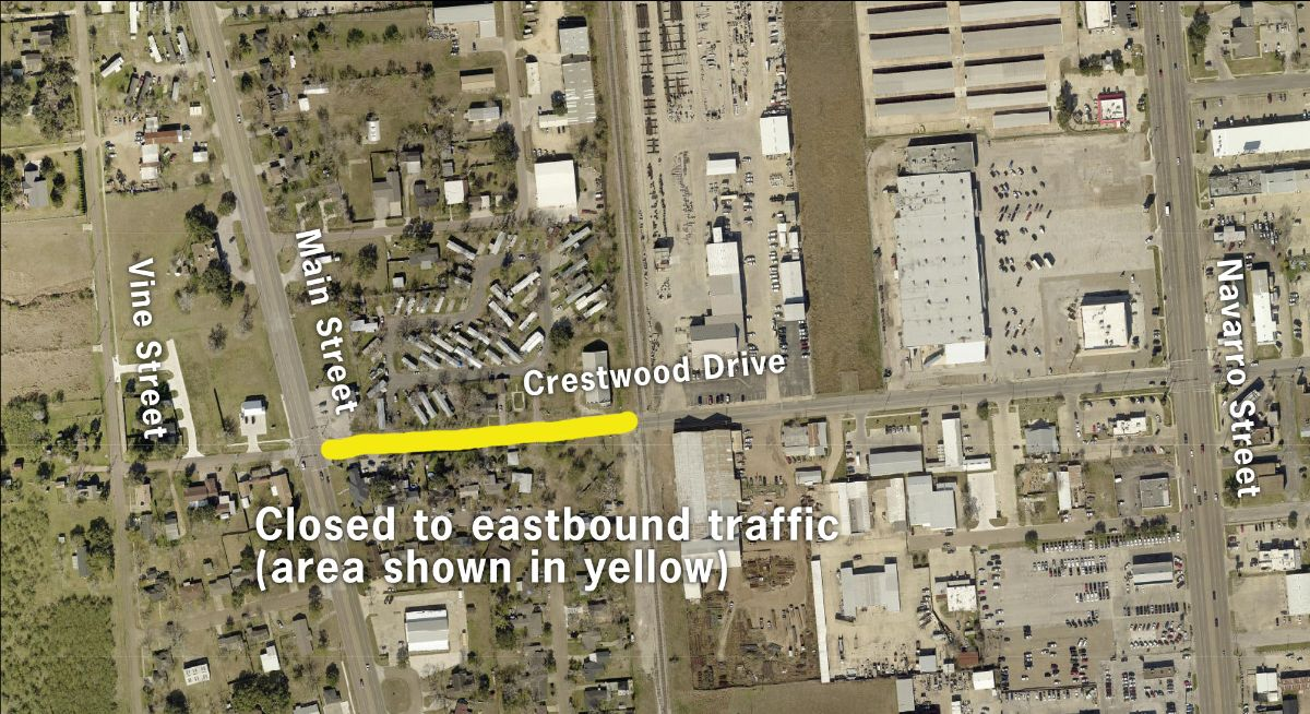 Map showing lane reduction on Crestwood Drive between Main Street and the railroad tracks to the east.