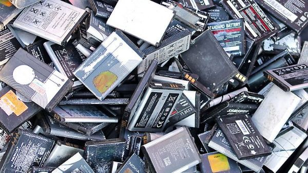 The report laid out how a typical e-scrap firm might handle devices that contain lithium-ion batteries (LIBs) – and the fire danger that arises in this process.