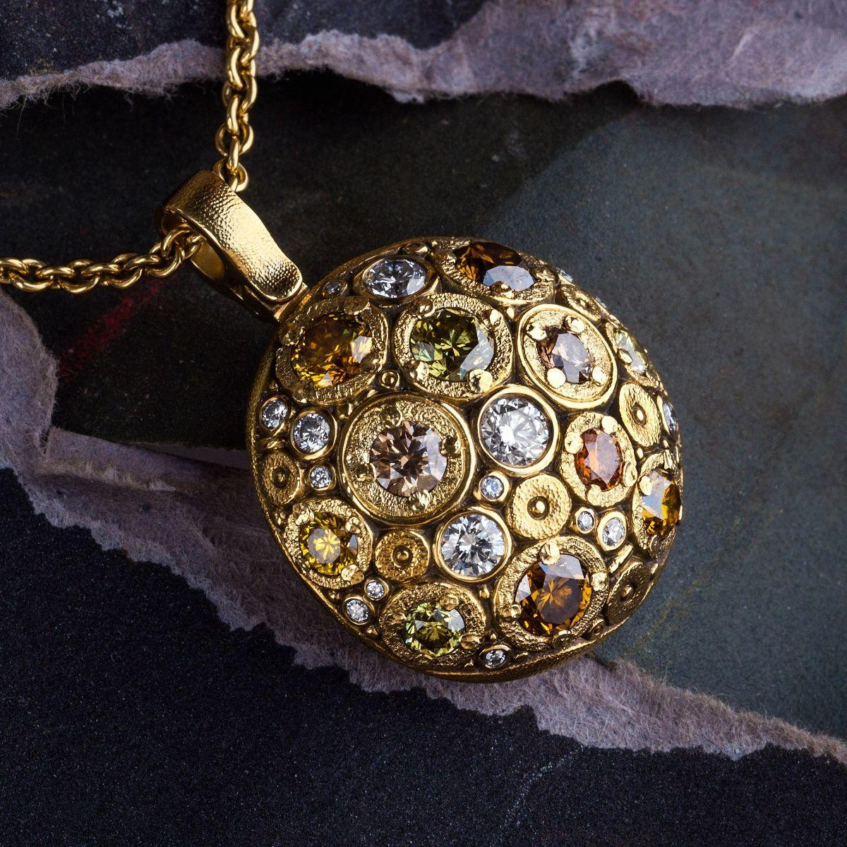 Alex Sepkus 18K yellow gold round pendant with natural color diamonds
