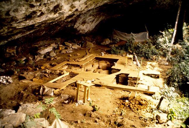 Dig site at a rockshelter called Shum Laka