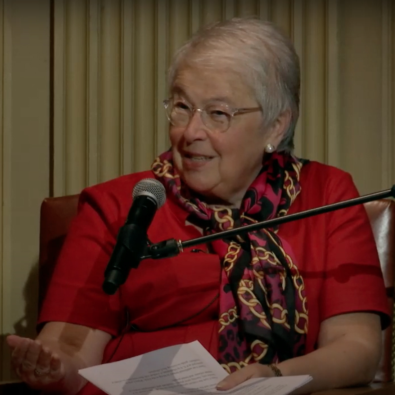A photograph of Carmen Fariña presenting at The Frick Collection in 2016