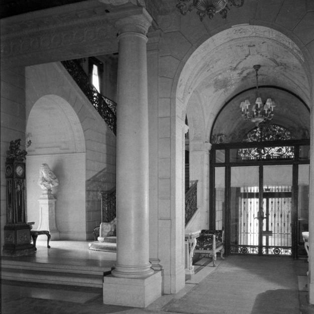 Photo of the East Vestibule in 1927