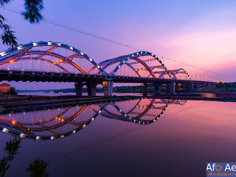 Hanoi red river