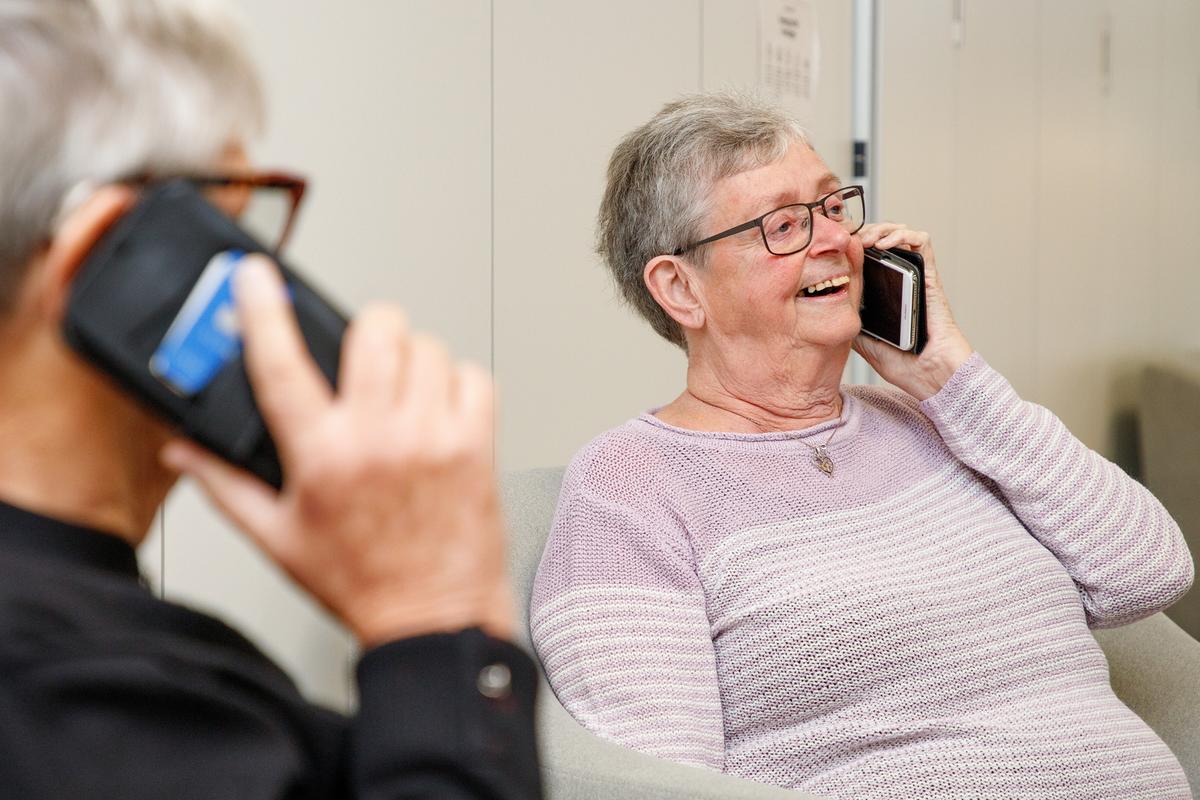 KommuneNyheder - Grib telefonen og vink farvel til ensomhed