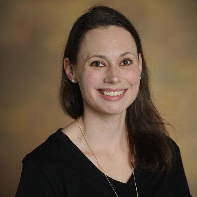Headshot of Lindsay Wright.