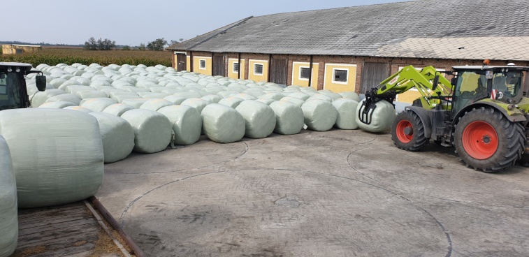 Organic certified lucerne Bales that will feed the green biorefinery currently being fabricated