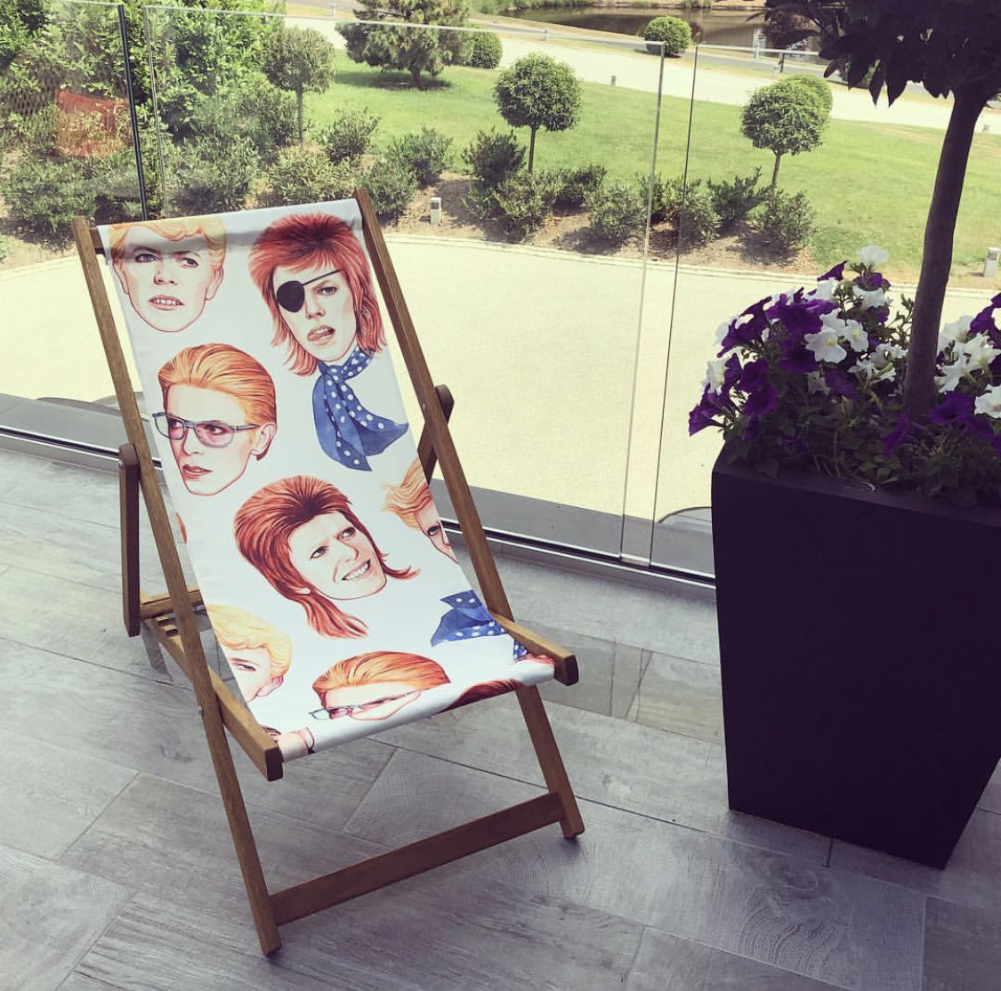 David Bowie gifts - choose inique garden deck chairs