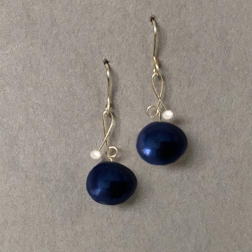 Pareloorbellen-blauwe-parels-Bodi