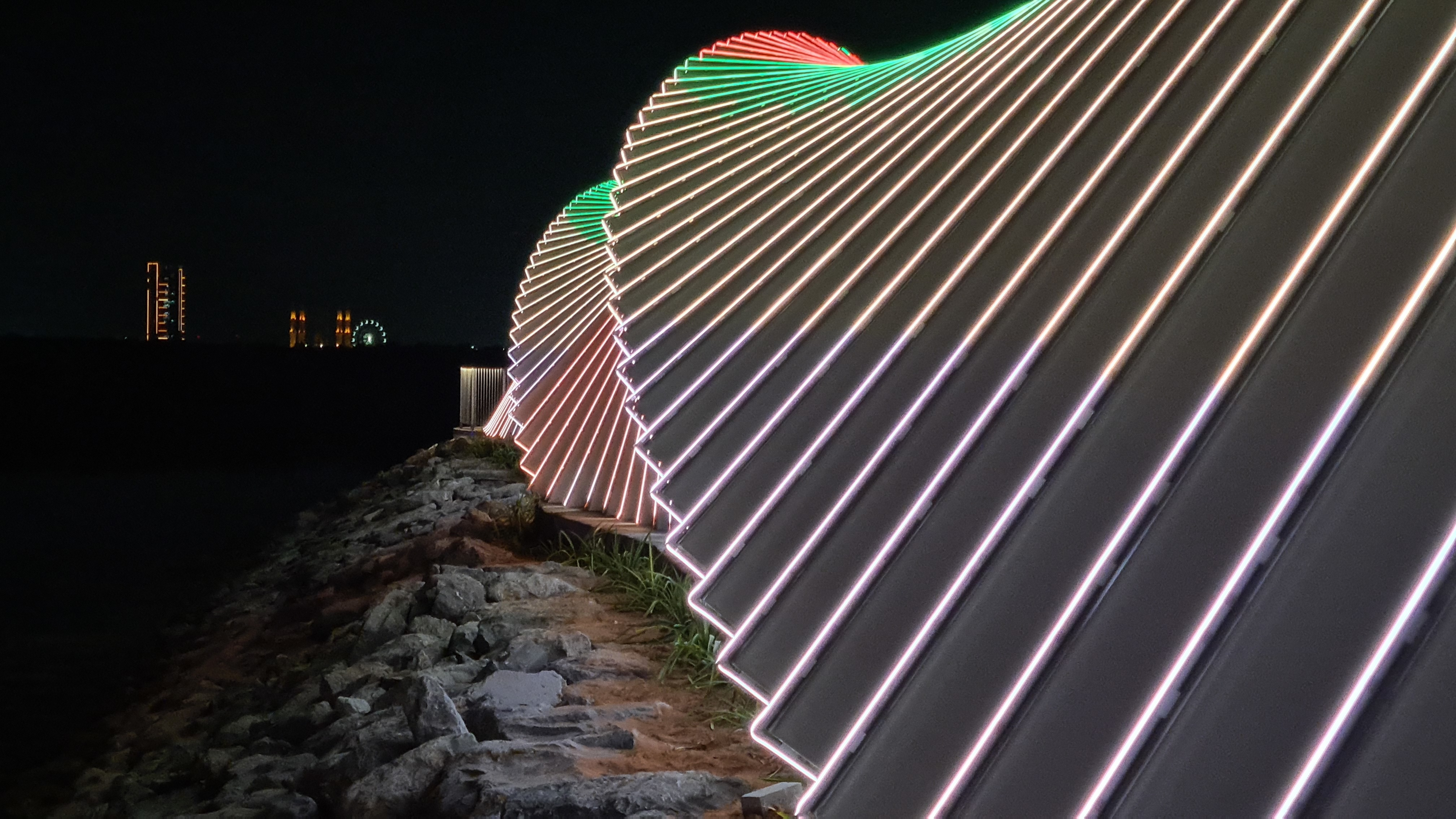 Geometric angles at the Manar Mall Walkway Bridge