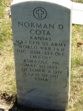 Norman Cota's grave(Photo: West Point Tours)