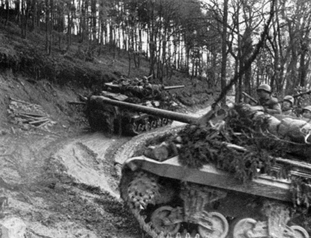 American tank destroyers on the supply trail (Photo: U.S. Army)