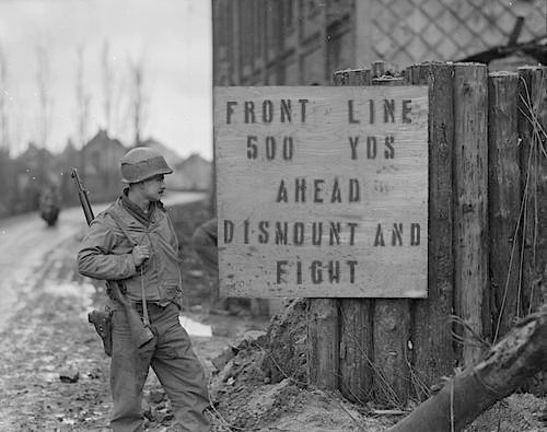 Warning sign for troops at the edge of the forest (Photo: U.S. Army)