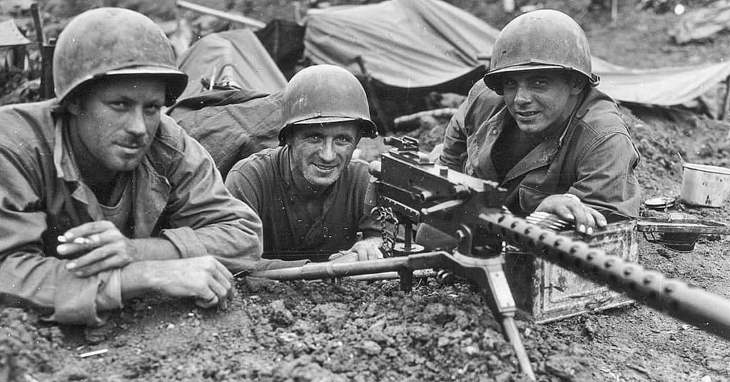 Men from the 77th Infantry Division with an M1919A4 on the island of Shima, May 1945 (Photo: wearethemighty.com)