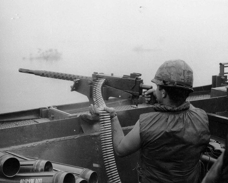 A machine gunner of the Mobile Riverine Force with a Mk 21 during the Vietnam War(Photo: Wikipedia)