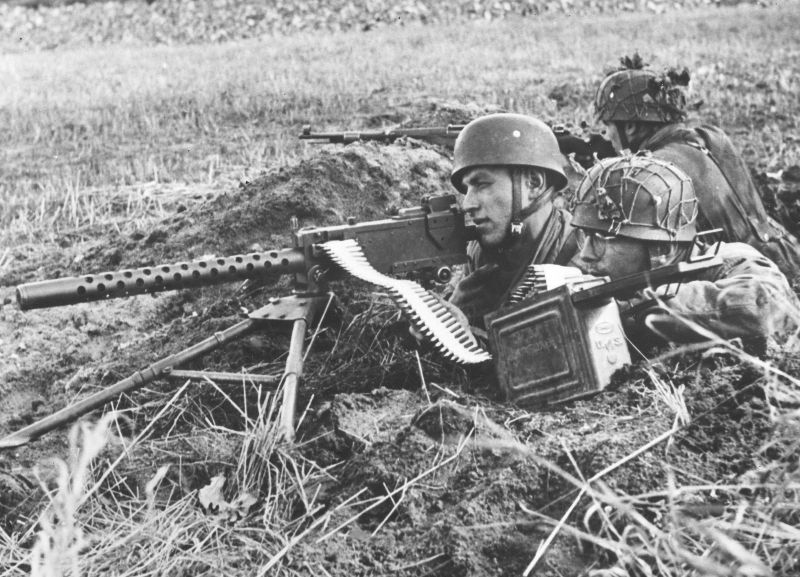 Used even by the enemy: German paratroopers with a captured M1919A4 in the Netherlands(Photo: Nac.gov.pl)
