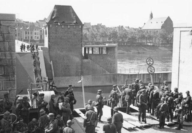 German troops in Maastricht, the Netherlands(Photo: Bundesarchiv)
