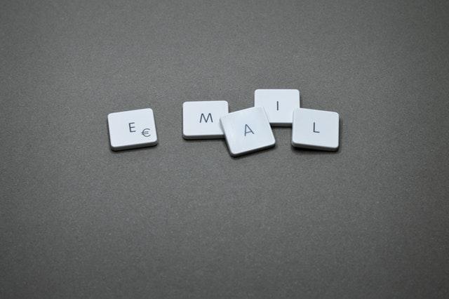 keyboard keys that say email