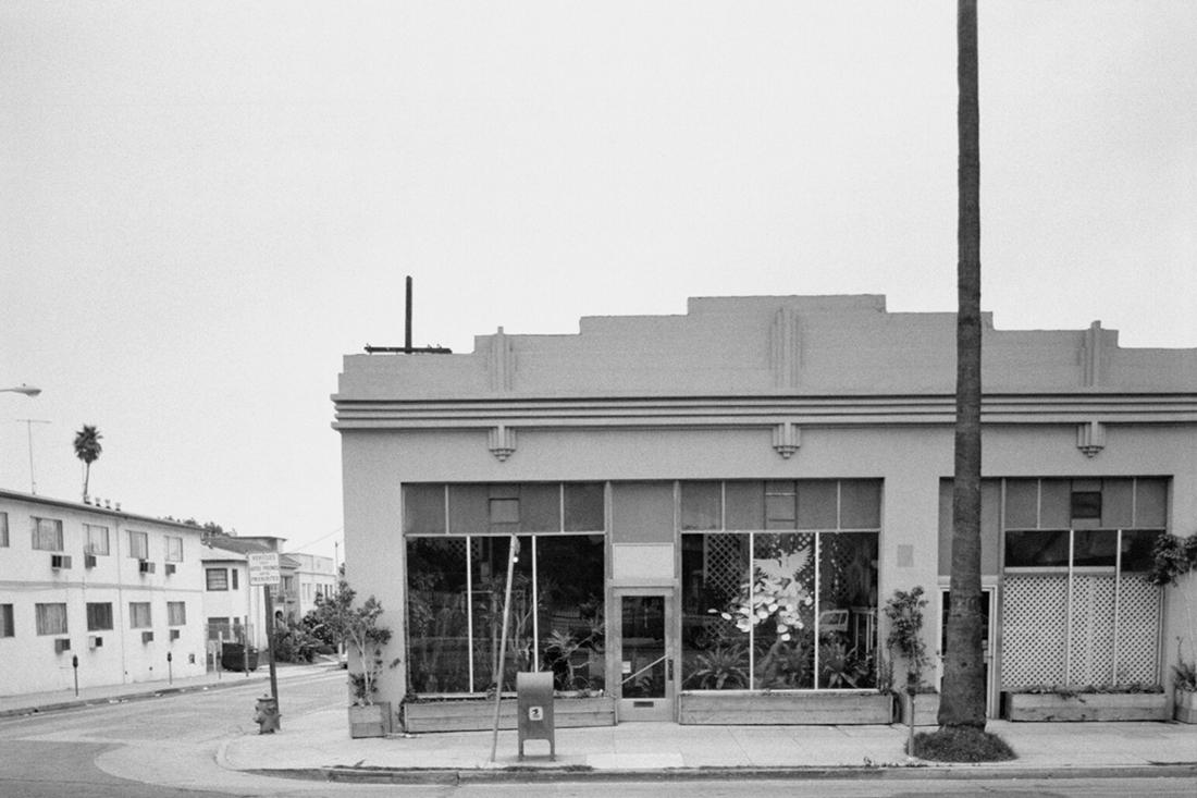 Ed Ruscha photographs the Strip.