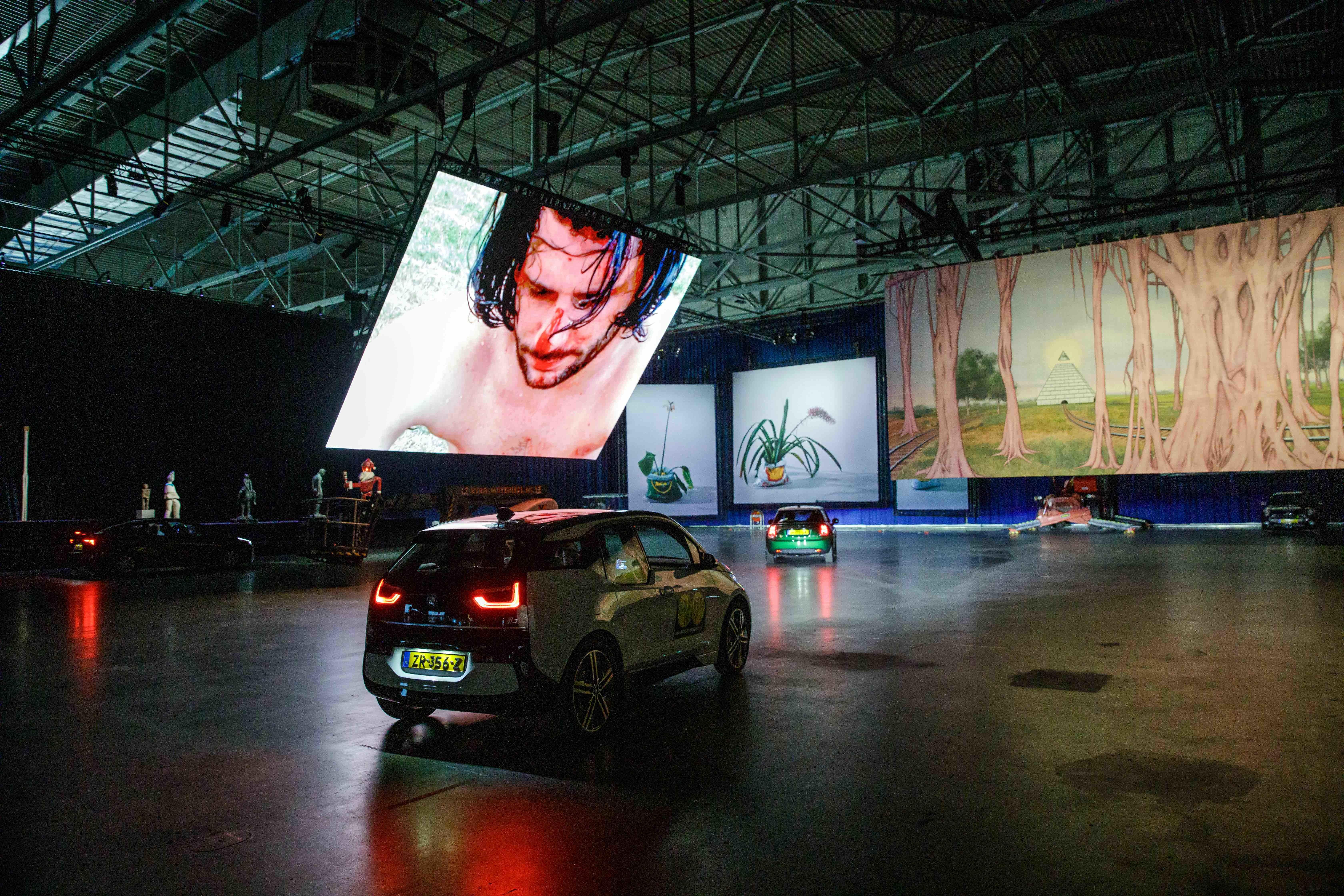 drive thru-Ausstellung in Rotterdam