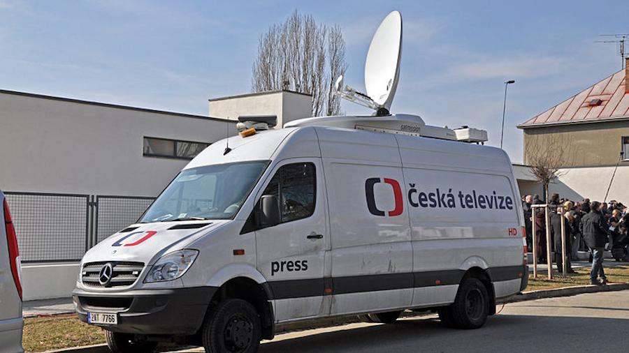 Übertragungswagen des tschechischen Fernsehens