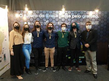 Foto dos alunos premiados do Campus Caxias do Sul