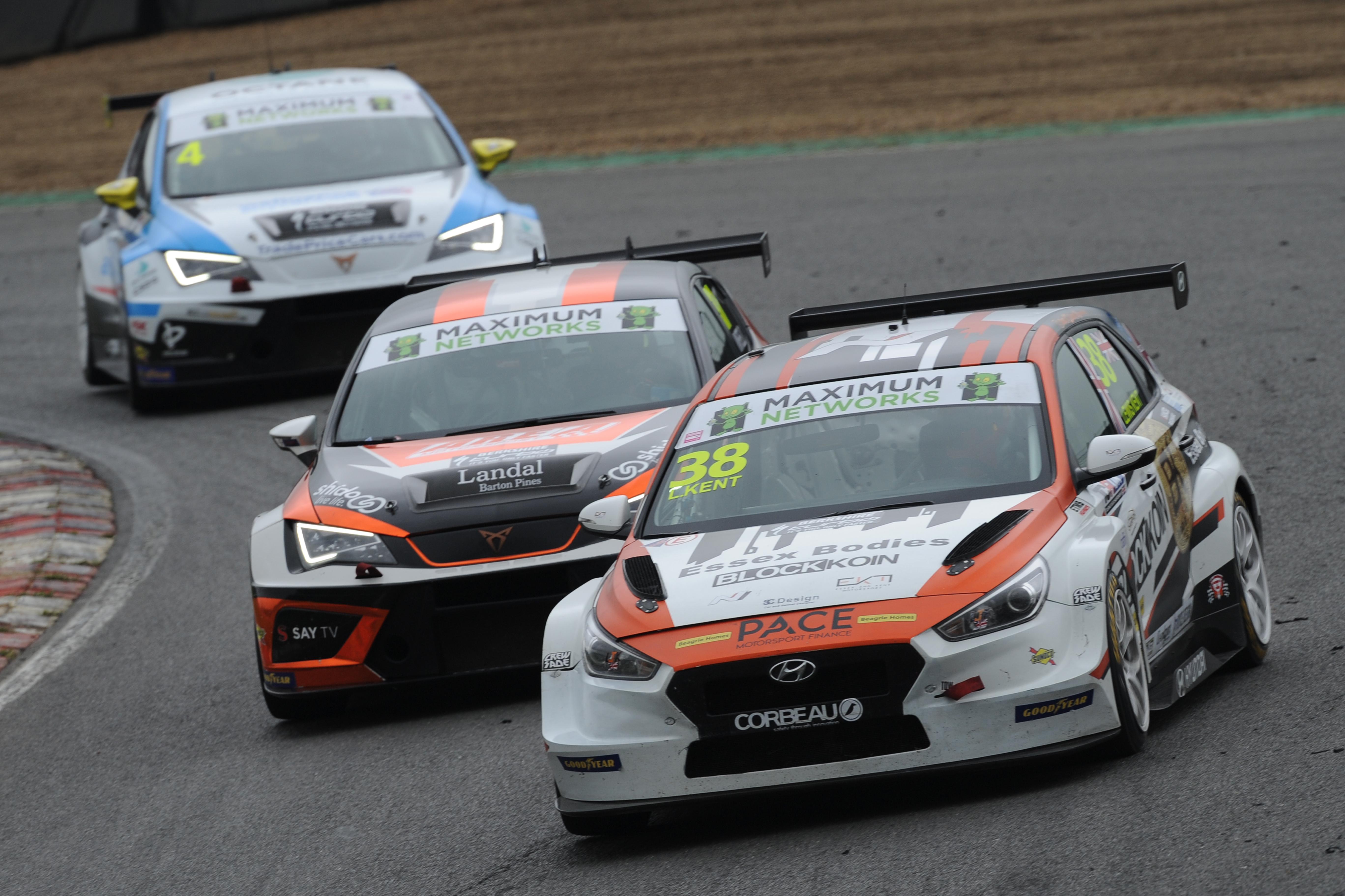 Lewis Kent - TCR UK - Brands Hatch