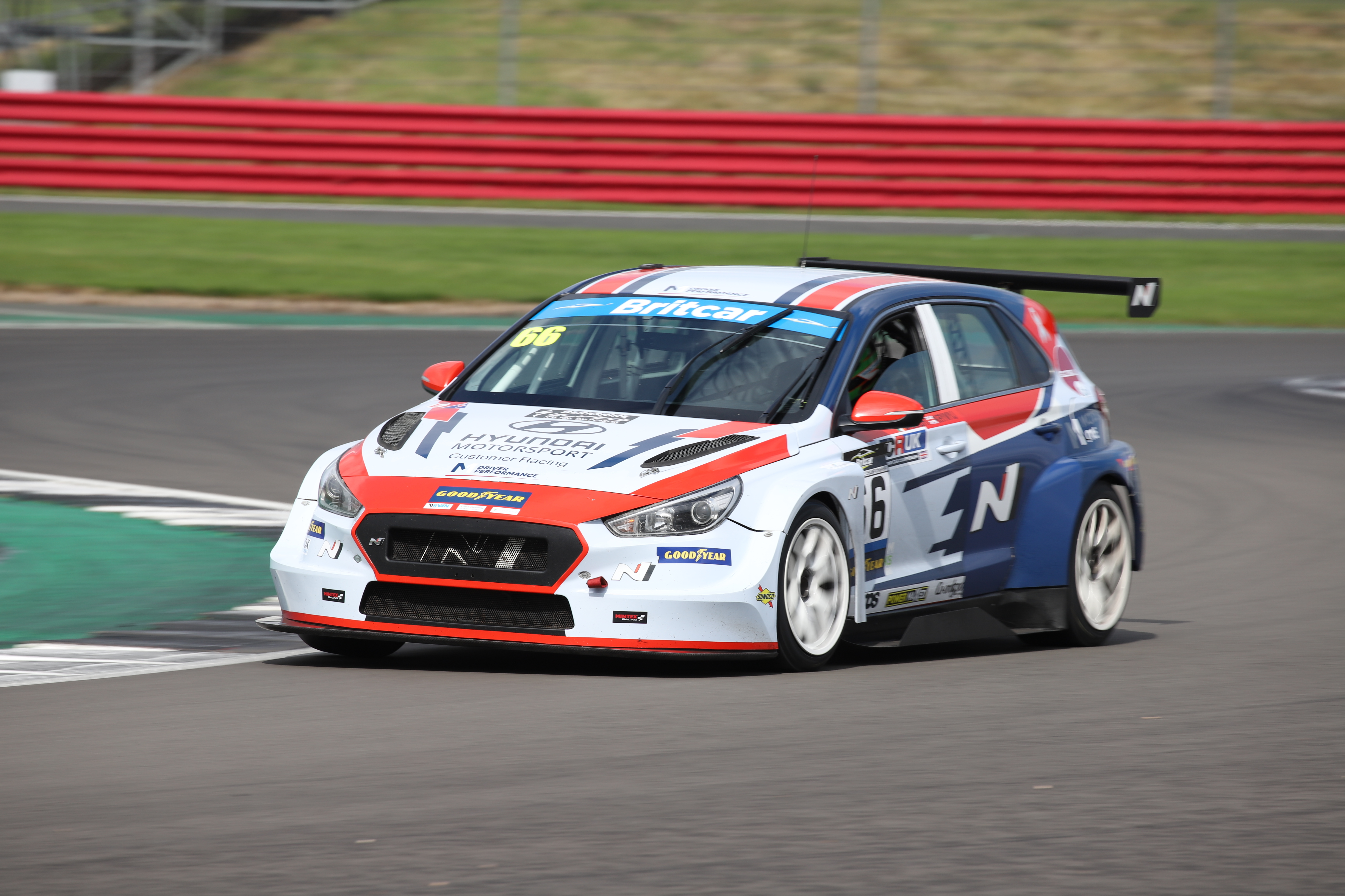 Nicole Drought/Danny Krywyj - Hyundai i30 N TCR - Silverstone. Photo: Chris Valentine