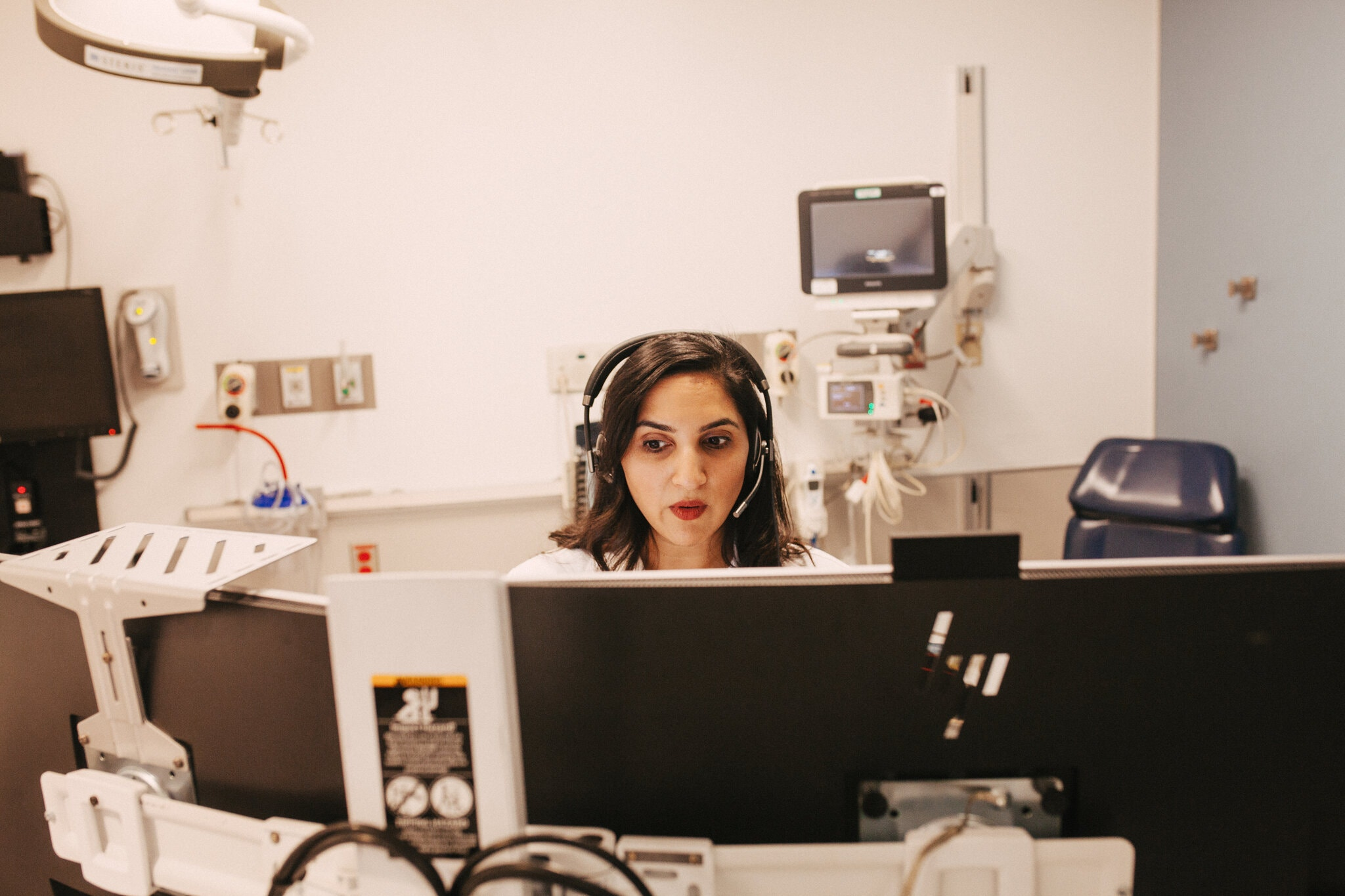 doctor performing telemedicine appts