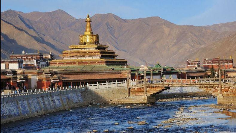 Foto uit ICT's 2022 jaarkalender van Tibetaanse rivieren die lopen door Azië