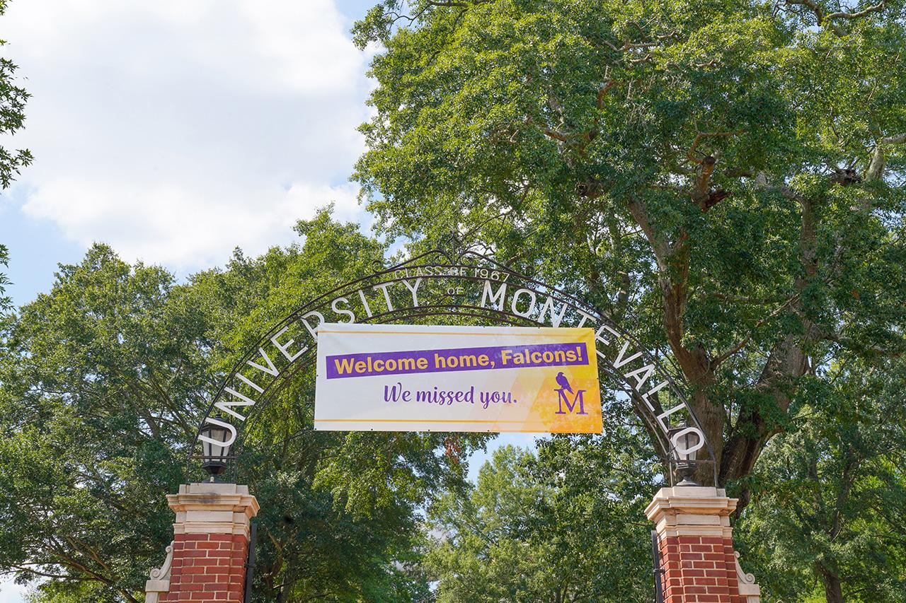 Welcome back sign at Calkins Hall