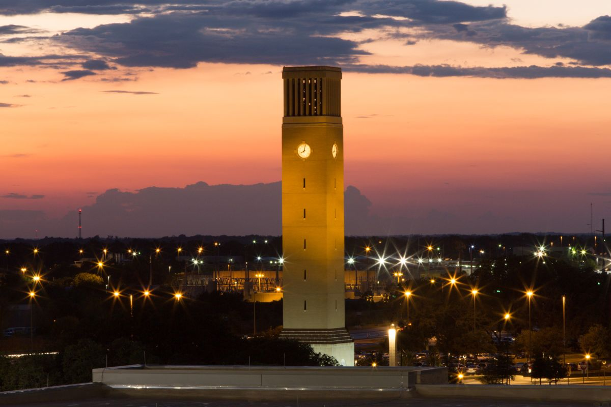 Albritton Tower in College Station at sunset