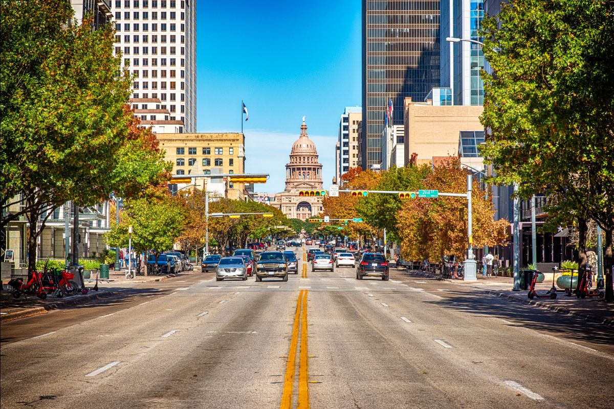 Texas capitol building as viewed by the street