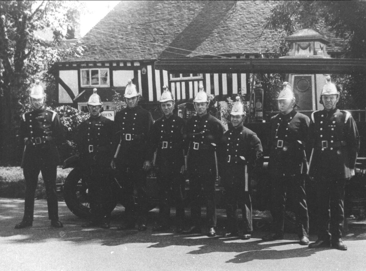 Photo of Headcorn Fire Brigade in 1937