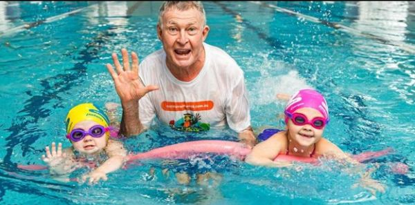 Aussie Coach calls on pools to open to save kids lives