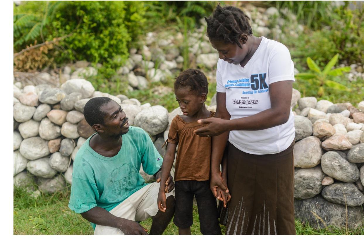 Photo of humanitarian workers