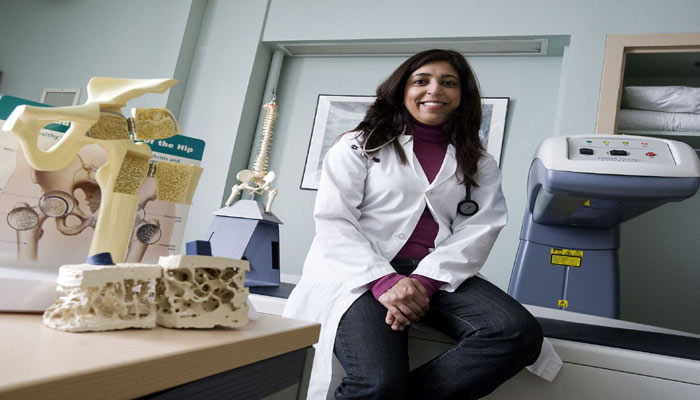 خانم دکتر سوفی جمال میتواند دوباره در کانادا پزشکی کند، ولی تحقیقات نه