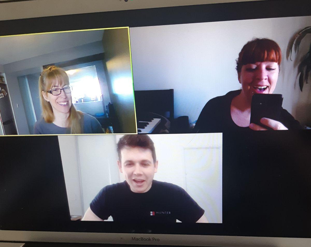 voice teacher teaching voice students online
