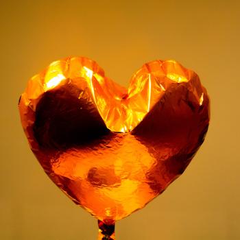 Symbolbild Herzballon; Bild: Alex Lee/unsplash.com.