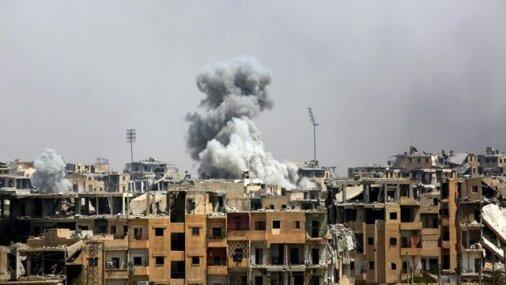 U.S. air strikes on eastern Syria kill at least 17: sources