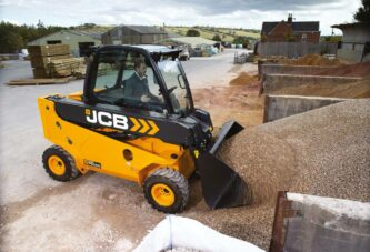 JCB Teletrucks updated with Stage V Engines