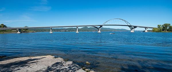 Travel Quarantine - Champlain Bridge
